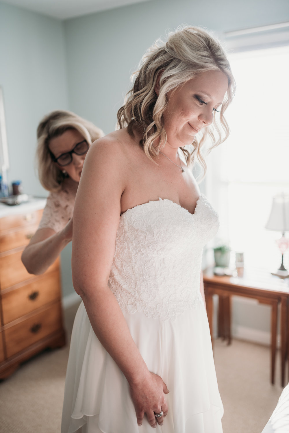 lexington-kentucky-wedding-photographer-bride-dress