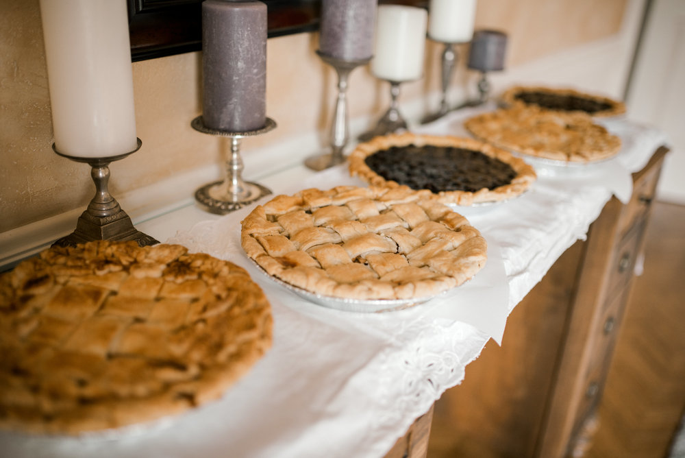 lexington-wedding-photographer-pies