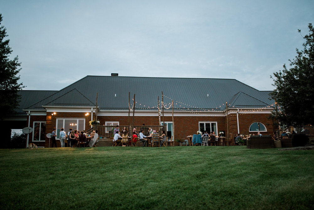 lexington-wedding-photographer-backyard-reception