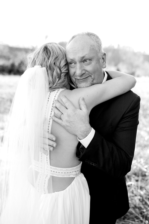 lexington-wedding-photographer-dads-first-look