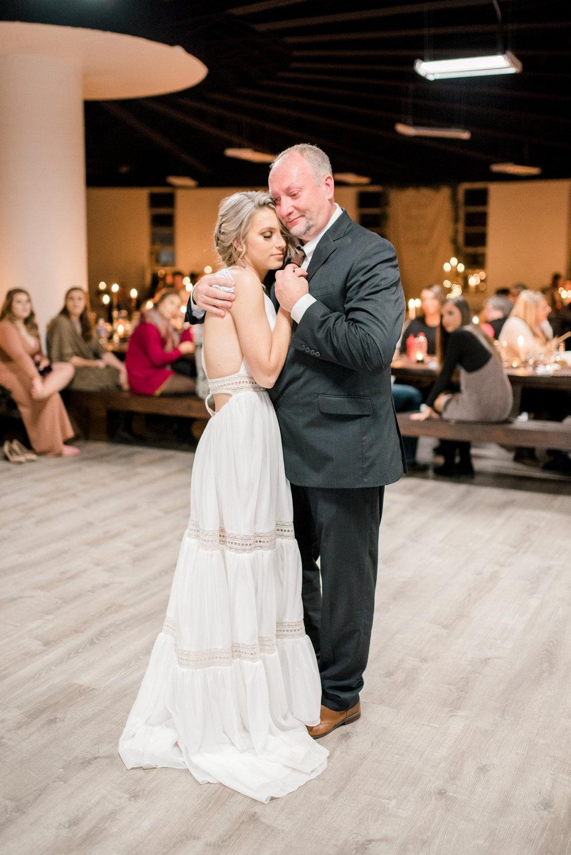 lexington-ky-wedding-photographer-first-dance
