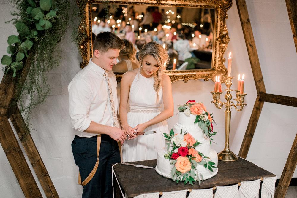 lexington-wedding-photographer-boho-cake