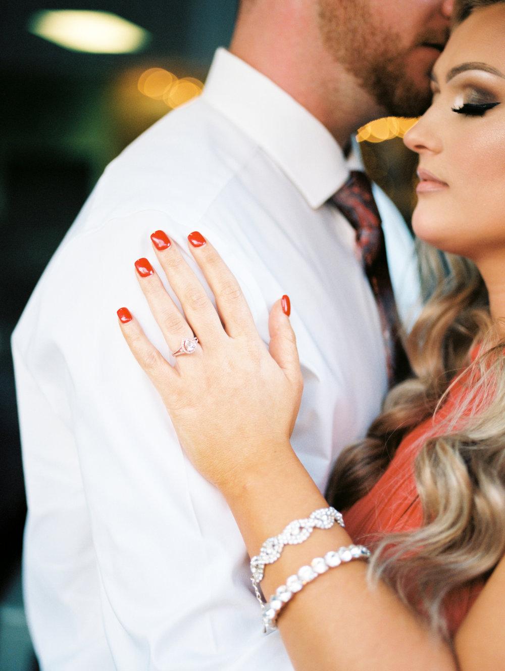 downtown-lexington-wedding-photographer-engagement