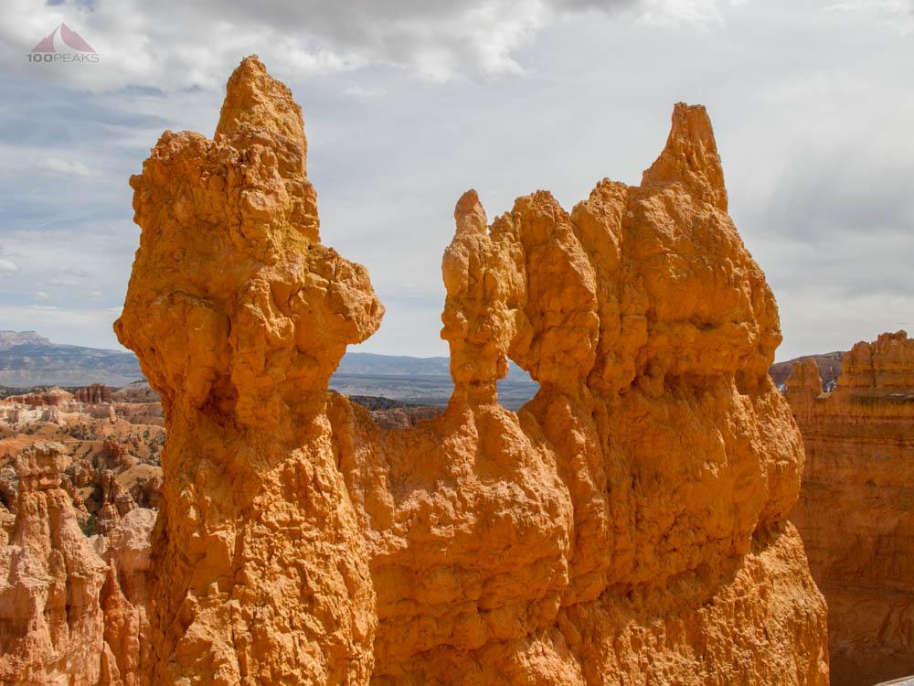 Formations along the Navajo Loop Trail