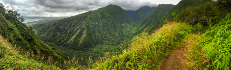 The view from the ridge to Lanilili on Maui