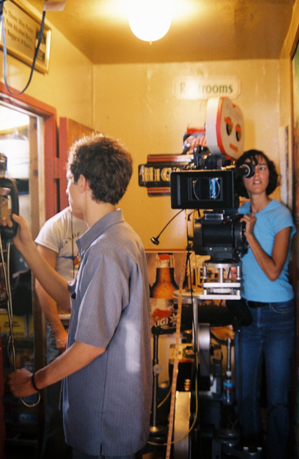 20. CINEMATOGRAPHER-ON-SET-01.jpg