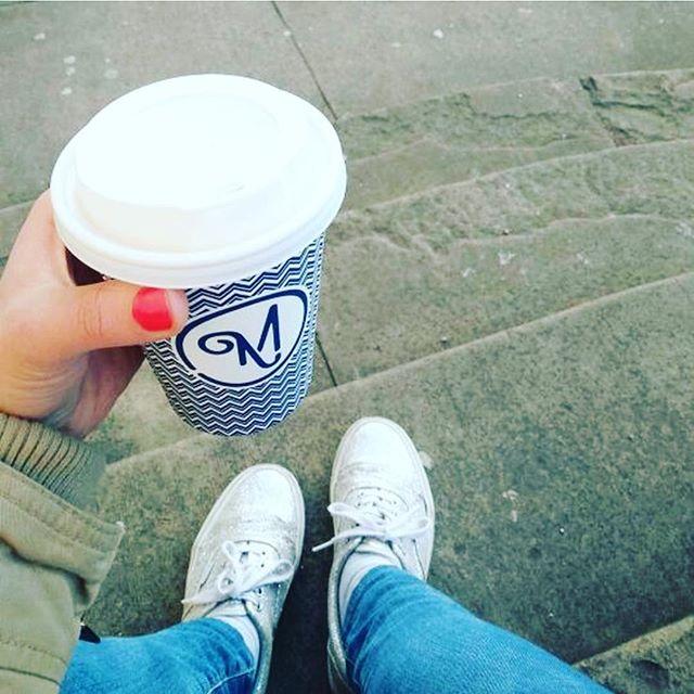 #customerrepost @enjoythesurf Danke für das Foto! Wer keine Zeit hat es sich bei uns im Café gemütlich zu machen nimmt sich sein Lieblingsgetränk im mission-to-go-Becher mit! ☕️🙌🏼☀️