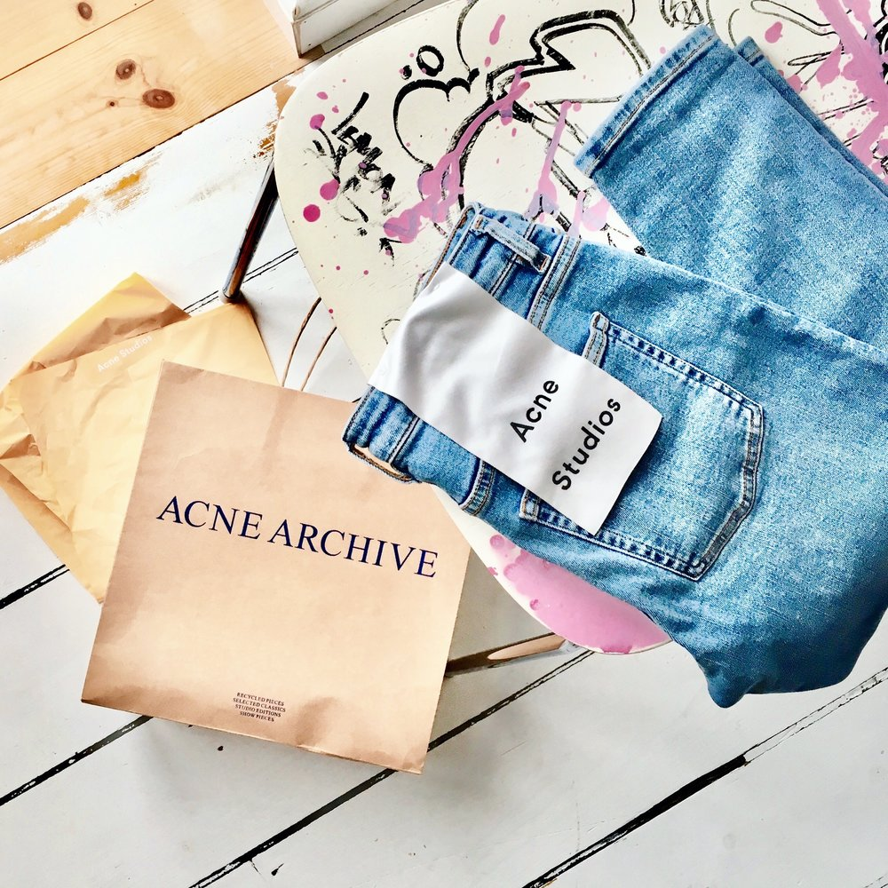 Shopping therapy in Acne Archives