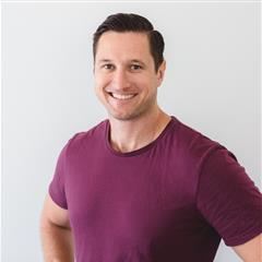 High Vibe Tribe Episode 09  - Steve Smith - BCN Health, Author, Researcher and Educator.BCN health specialises in supplements to support holistic mental and physical wellbeing.We discuss the cause of stress: mental, emotional, environmental and physical. The role of the gut in serotonin production. The effect cortisol has on adrenal fatigue, insulin resistance, and anxiety. How to move stubborn weight around your belly.How to optimise your SLEEP.Steve shares his research on how to boost your testosterone www.boostyourlowtestosterone.comThe importance of treating the underlying cause of disease not just the symptoms.How inflammation is the cause of all disease. The health benefits of turmeric to prevent illness and treat pain.Upgrade your lifestyle habits to optimise your health and energy.  Steve shares his daily rituals, smoothie recipes, nutrition recommendations and more.To try the amazing supplements from BCN HEALTH click the website below.WWW.BCNHEALTH.COM.AU