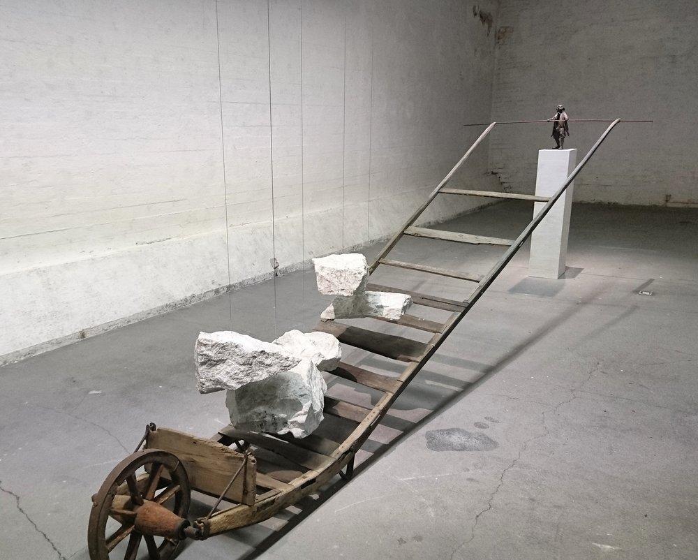Lisäksi vielä: Heimo Siuntion vaikuttava näyttely Vertical Graffiti Forum Boxissa 26.3. asti! Kuva: Näyttelyvinkit/Anni Tuominen