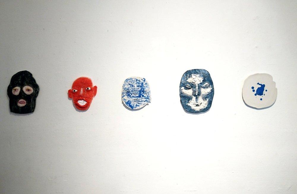 Armi Teva: Full glam maskit, keramiikka, silikoni