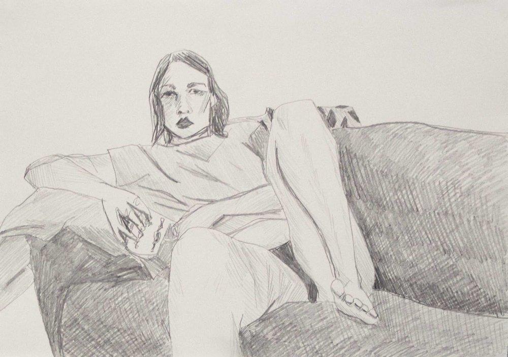 Saimi Suikkanen: Omakuva sohvalla,lyijykynä paperille,29 x 21 cm,2017