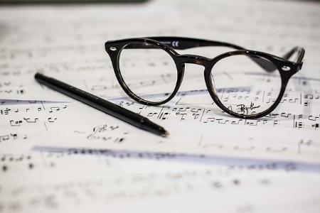 eyeglasses-1209707_640.jpg
