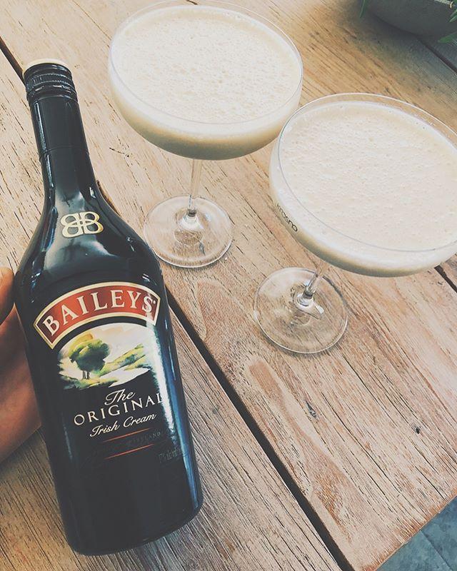 Bailey's Martini 🙋🏼♀️🍸