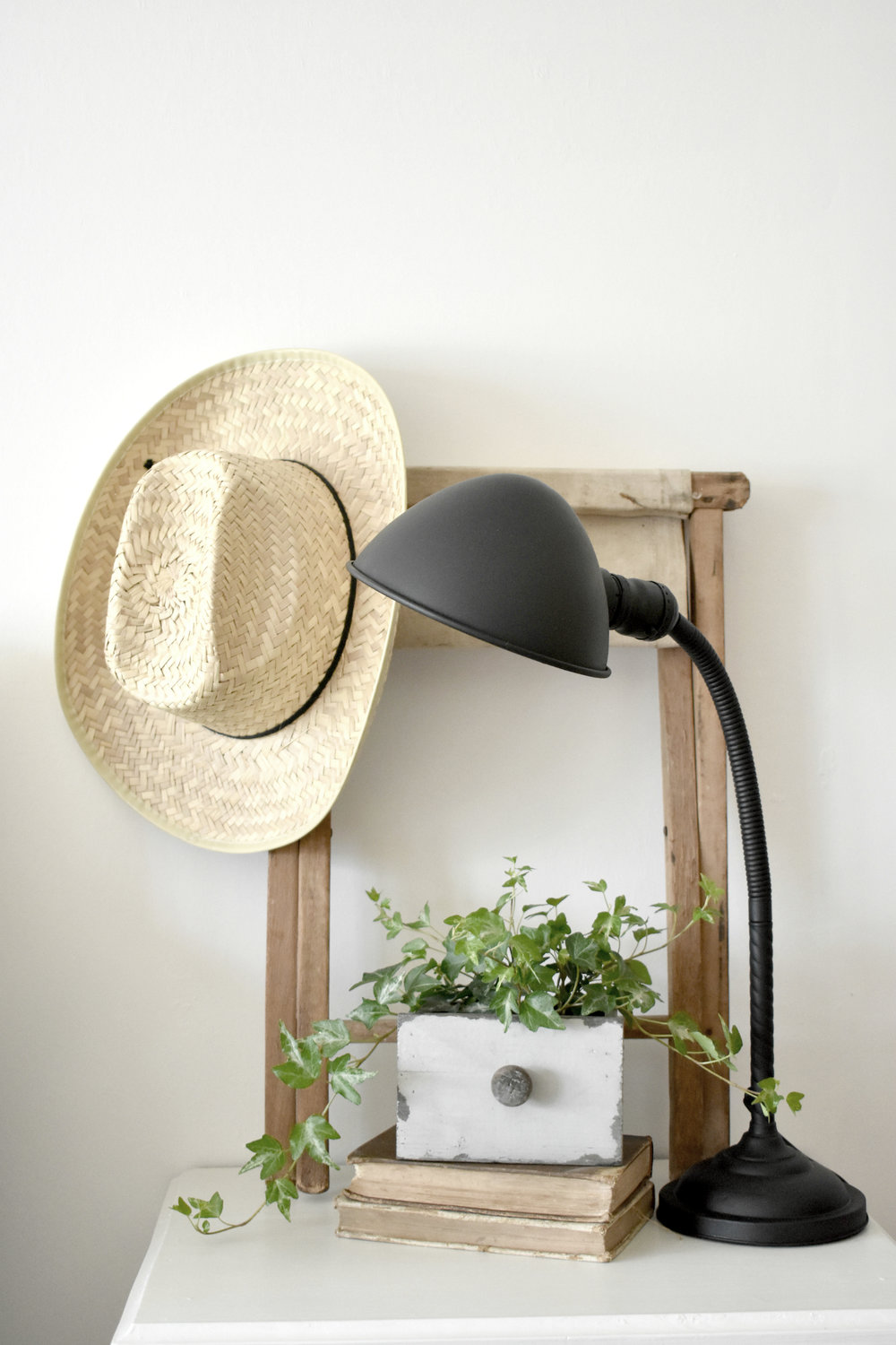 Spring Farmhouse Night Stand Vignette