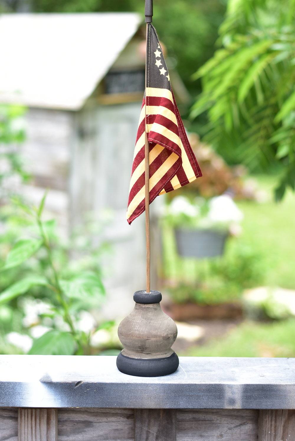 DIY AMERICAN FLAG HOLDER PRIMITIVE FARMHOUSE JULY 4TH TABLE CENTERPIECE