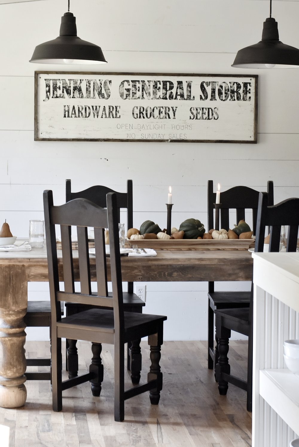 A Simple Farmhouse Style Fall Tour of the Dining Room and Kitchen