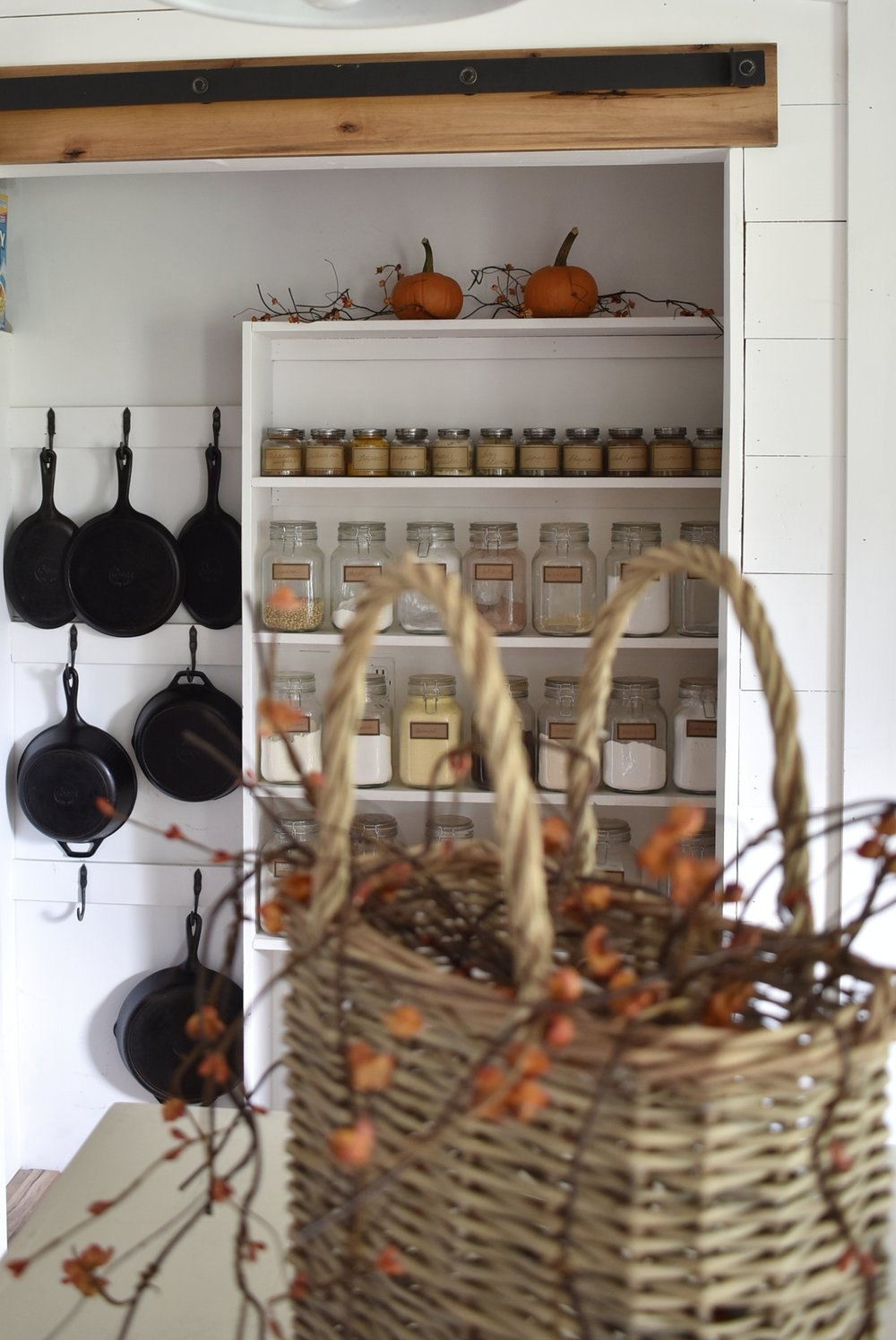 A Simple Fall Farmhouse Autumn Tour of our Dining Room and Kitchen