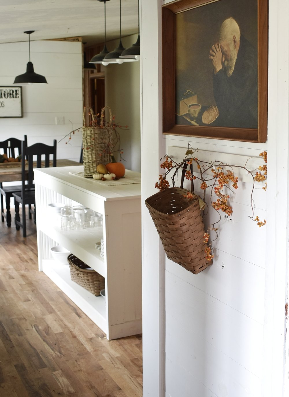 A Simple Fall Farmhouse Tour for Autumn of our Dining Room and Kitchen