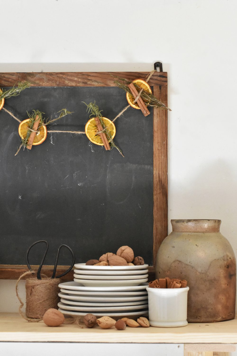 Easy Thanksgiving Christmas Holiday Decor Ideas for a Homemade Holiday Home