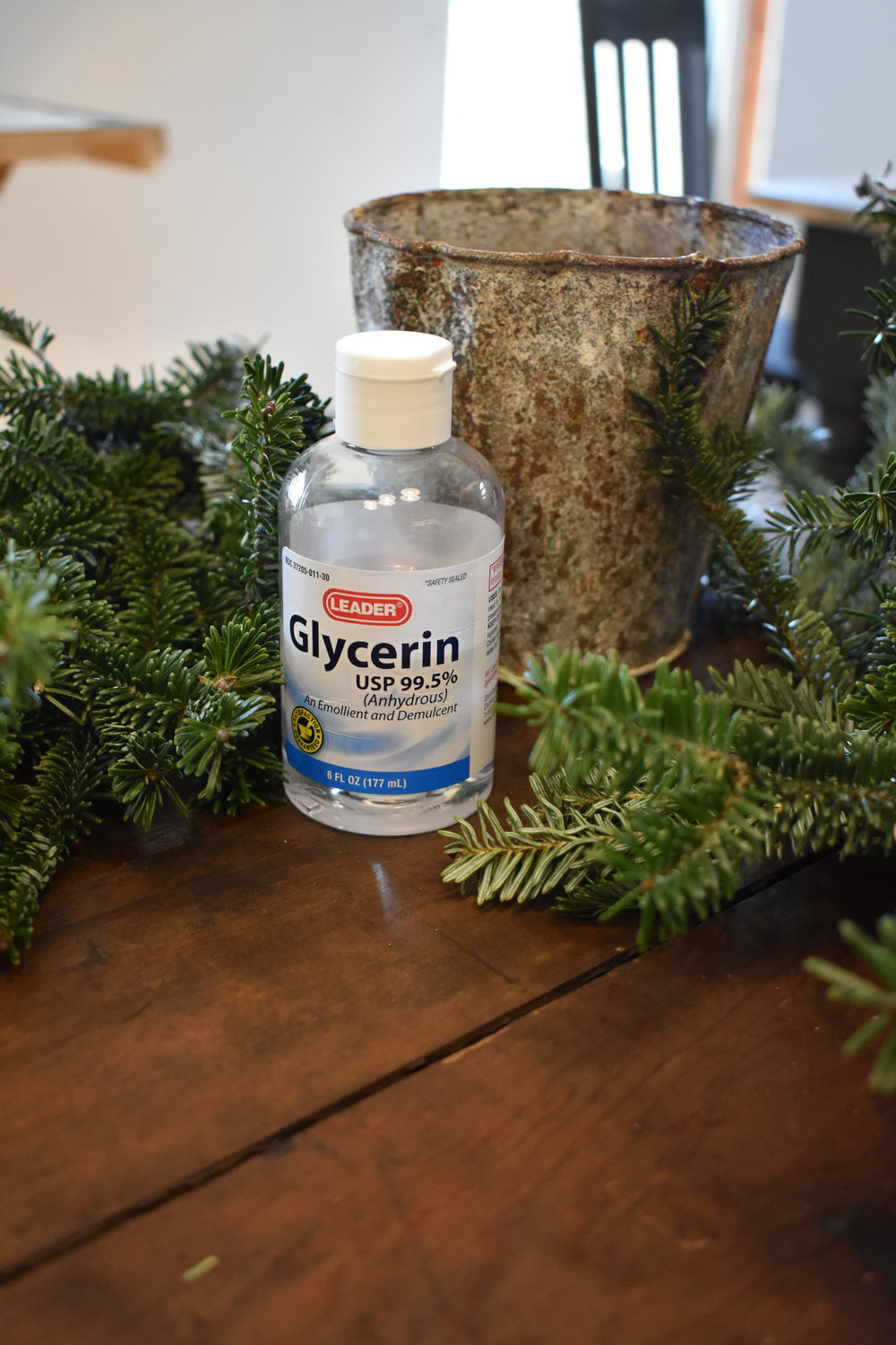 How to use glycerin to help preserve your Christmas greenery.