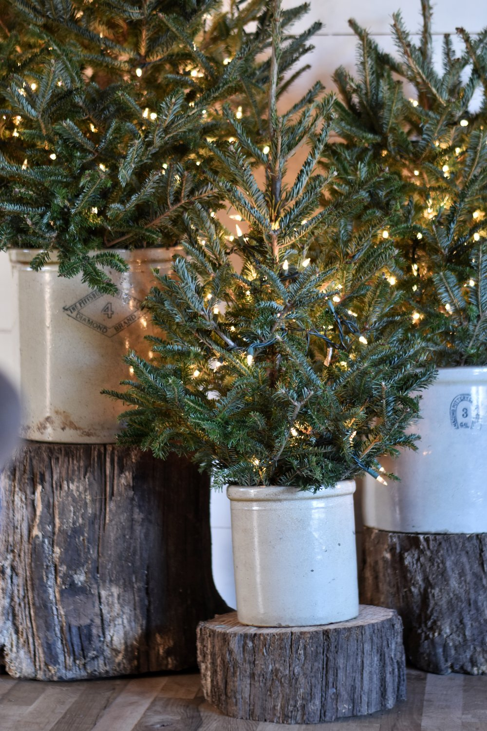 Farmhouse, woodland, rustic style Christmas home and tips on how you can create a cozy living atmosphere in the month of December.