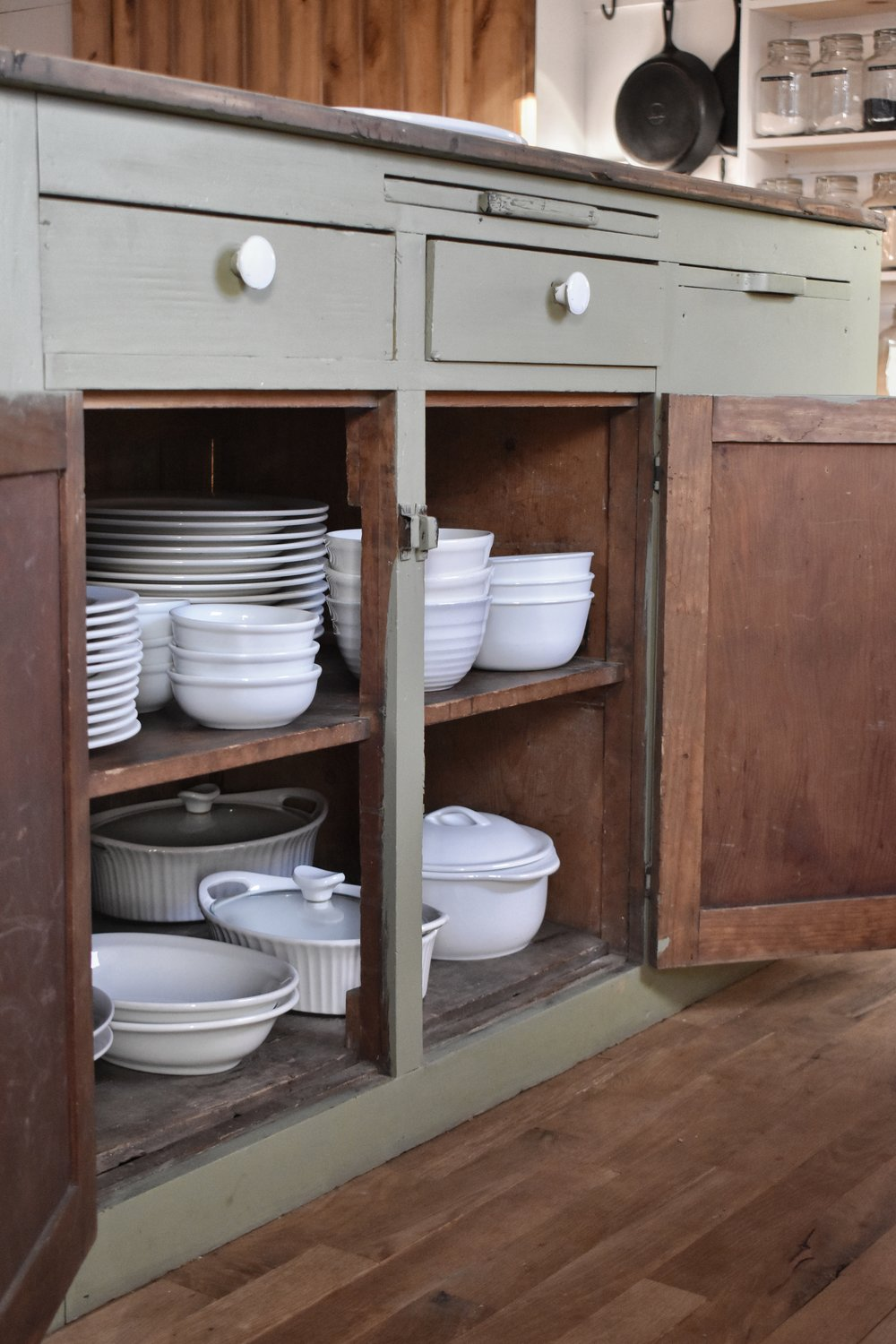 Small farmhouse style kitchen cabinet organization. Simple, easy, diy, tips and ideas for cutting the kitchen clutter and staying organized.