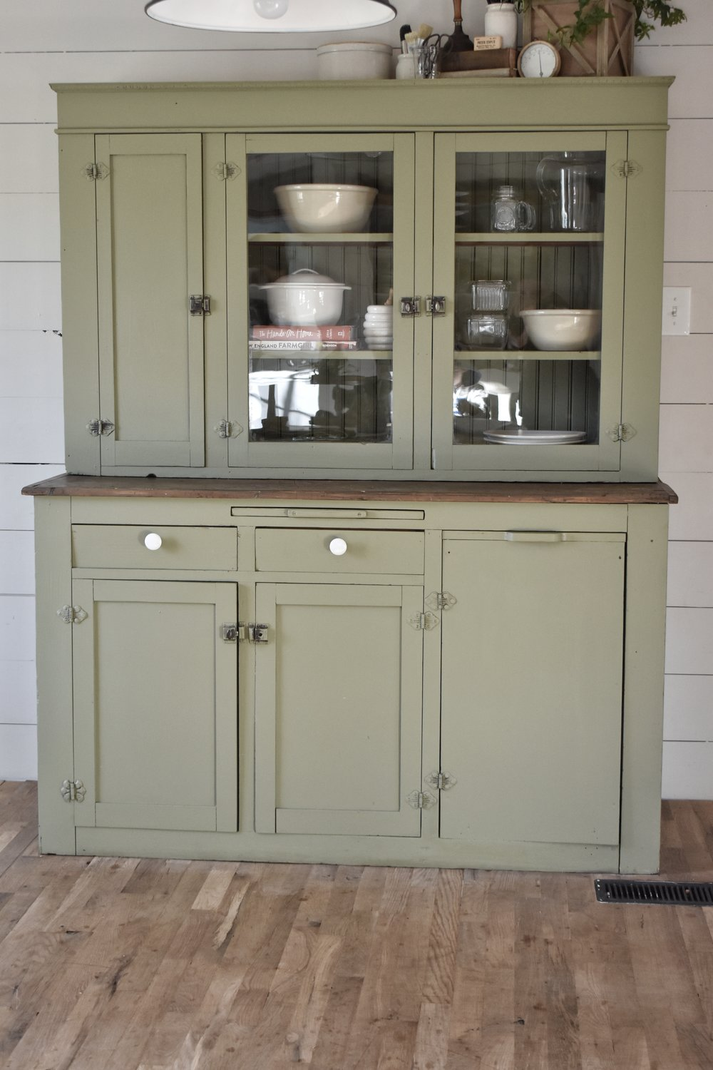 Beautiful Farmhouse Style Cabinet Makeover www.flatcreekfarmhouse.com