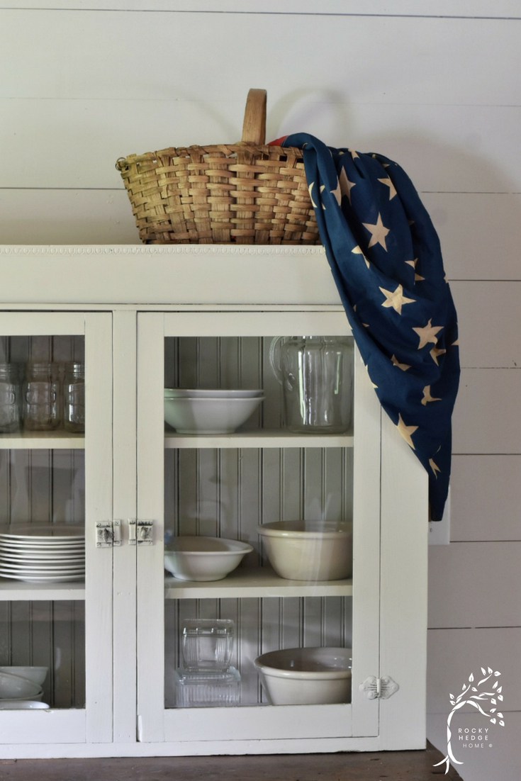 Farmhouse Fourth of July #patrioticfarmhouse #simplefarmhousesummer #summerfarmhouse #fourthofjuly