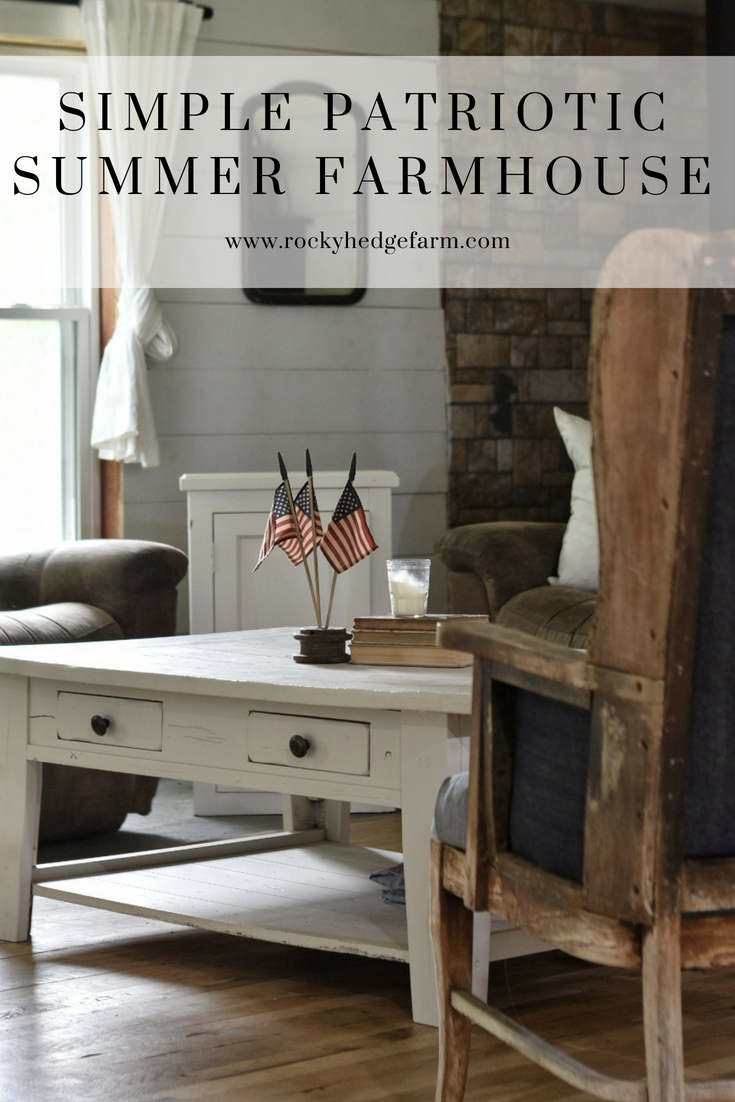 Simple Summer Farmhouse Decor for July Fourth
