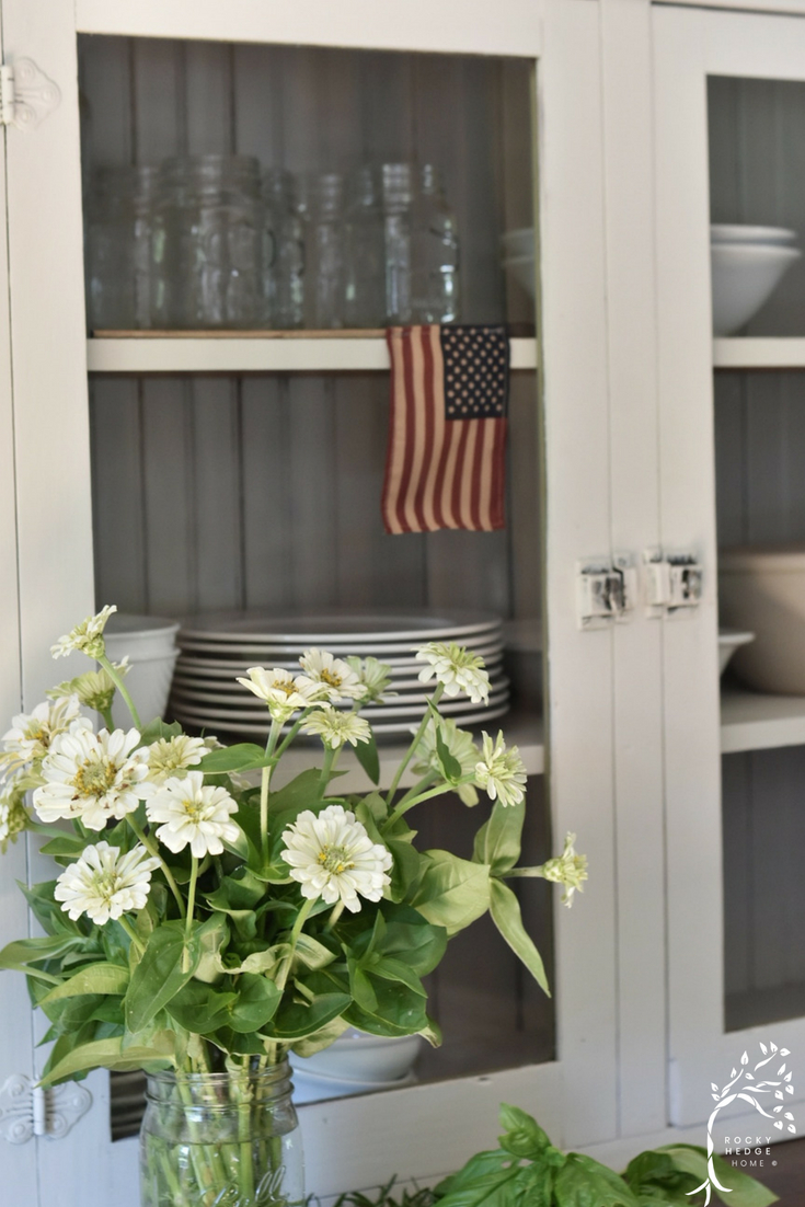 July 4th Farmhouse Decorating