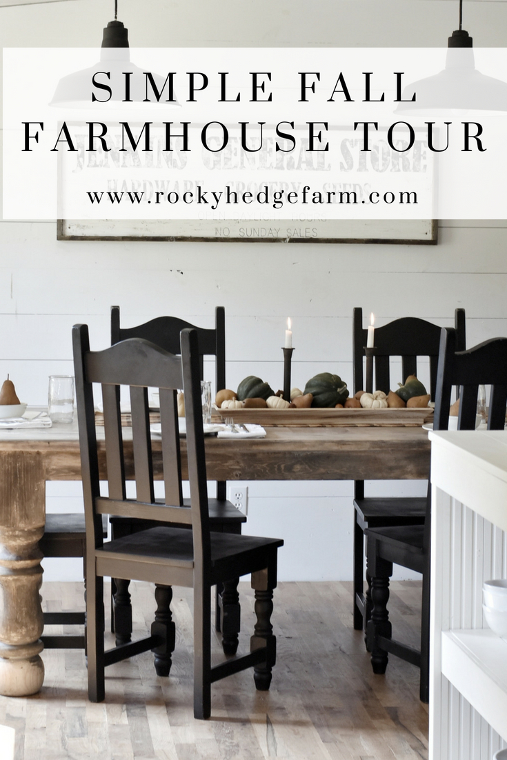 How to fill your home with the farmhouse fill for fall without going broke. Tour this simple fall farmhouse style kitchen and dining room to see how simple it can be to achieve that cozy fall feeling