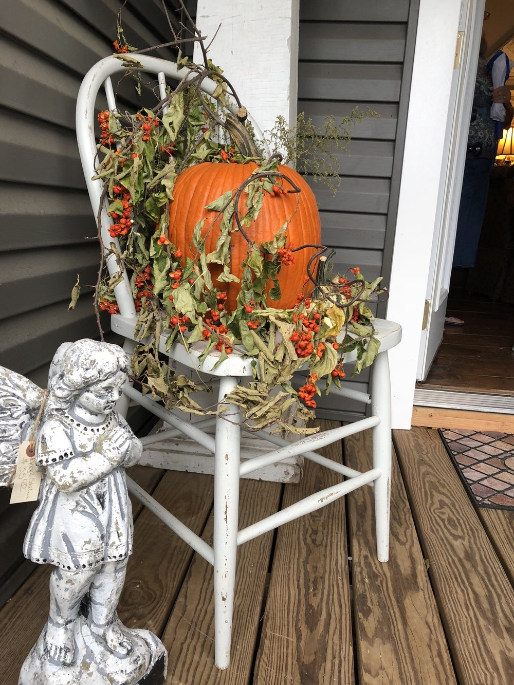 Outdoor Fall Decorating at Pheonas in Billings MO