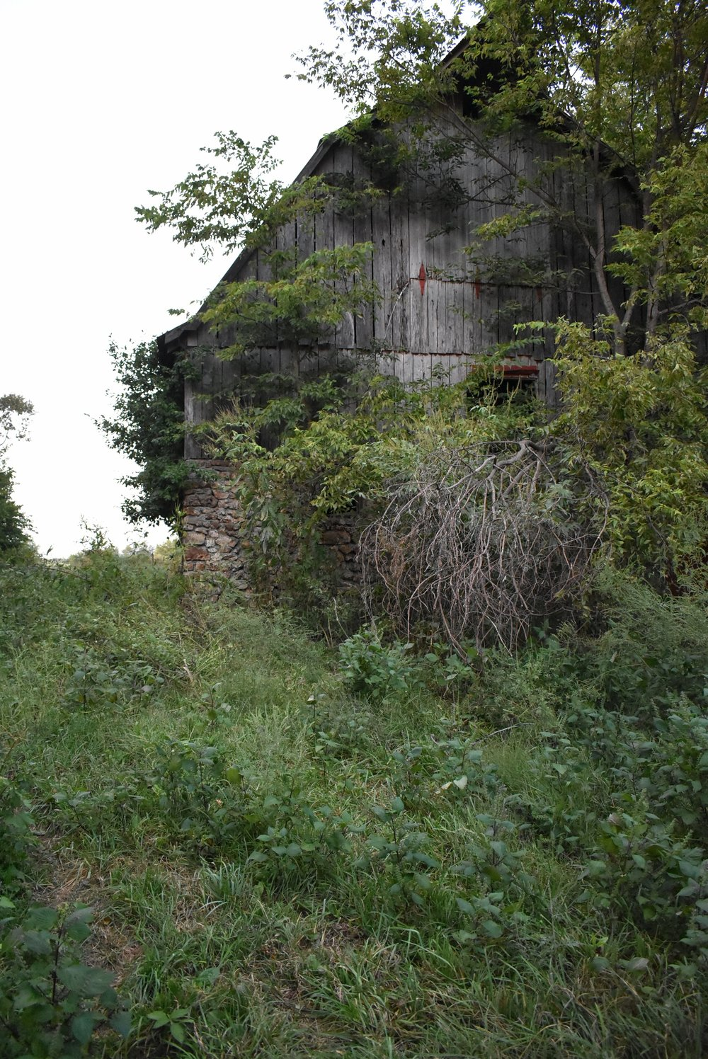 Old Missouri Barn.jpeg