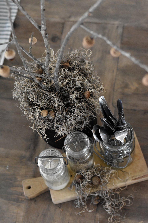 Rocky Hedge Farm - Rustic Table Setting Idea for Fall