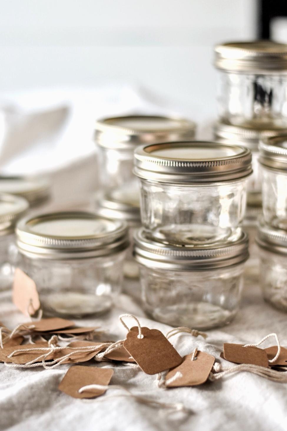 Mason jar spice and herb storage organziation - Rocky Hedge Farm