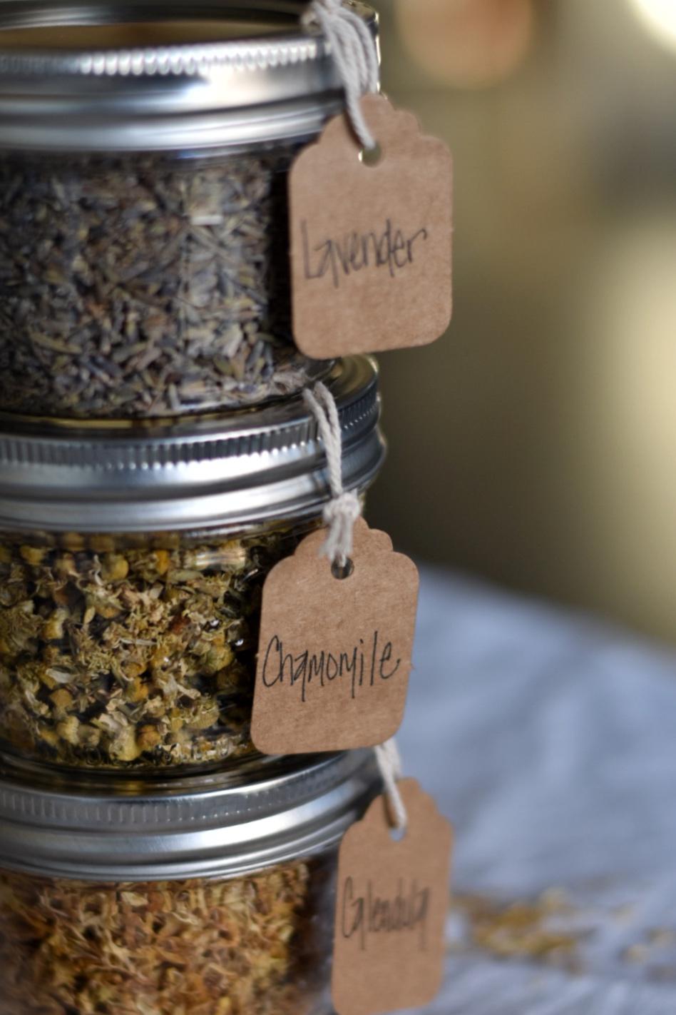 Diy Mason Jar Spice and Herb Organization with Labels | Rocky Hedge Farm