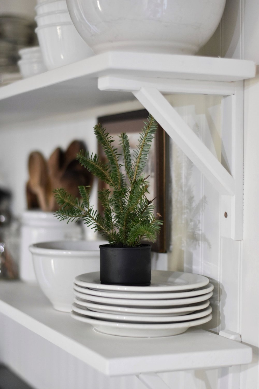 Free Homemade Christmas Holiday Decorating - Rocky Hedge Farm.jpg