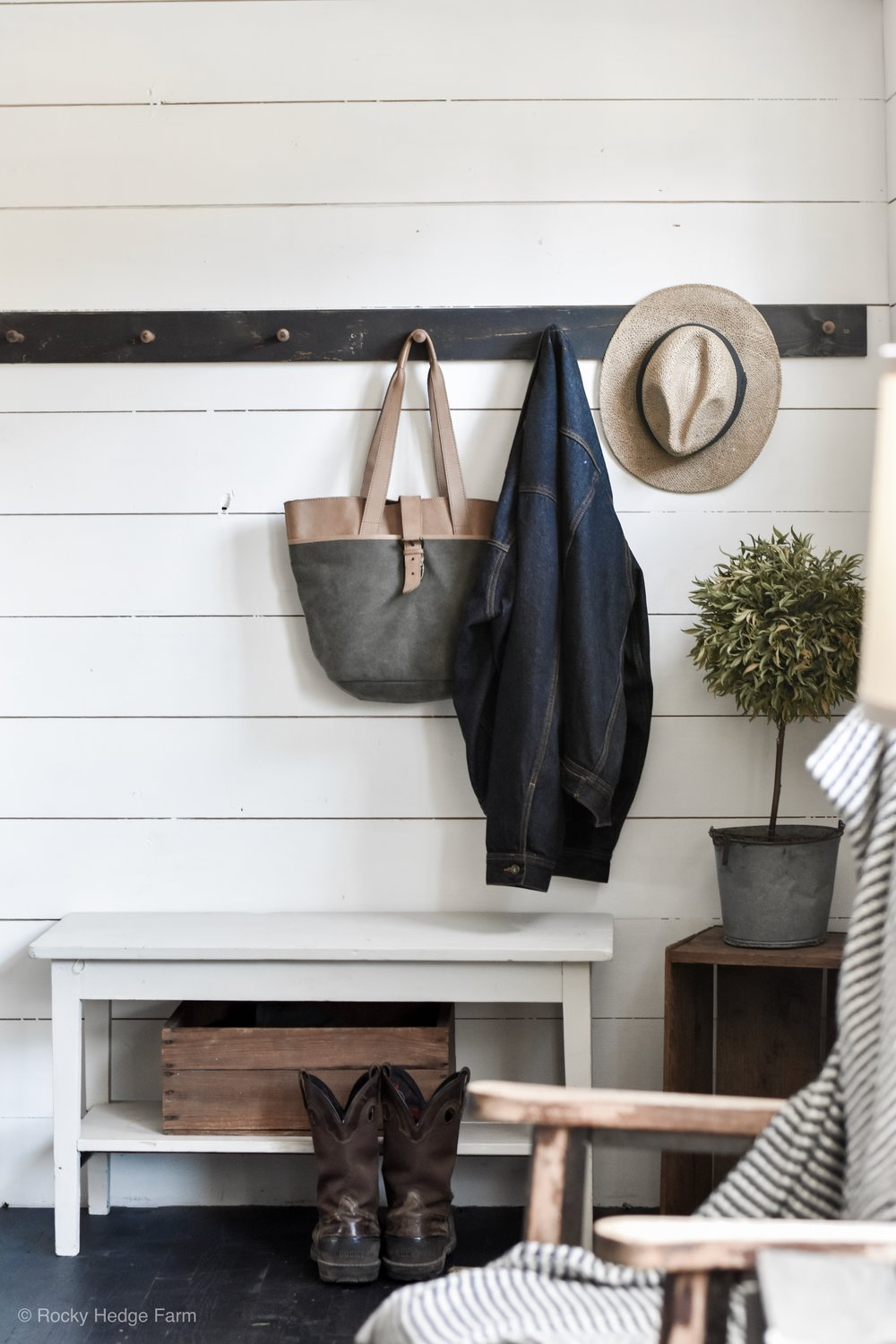 Small Farmhouse Entryway with bench | Rocky Hedge Farm