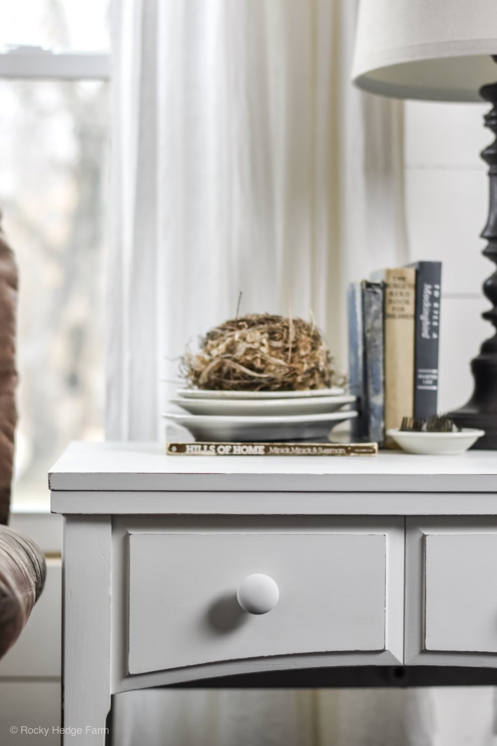 DIY Chalk Paint Recipe with Plaster of Paris -Spring Farmhouse Table End Table - Night Stand Decor   Rocky Hedge Farm