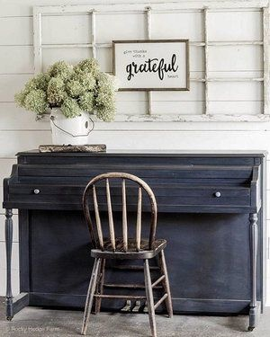 DIY Rustoleum Chalk Painted Piano in Charcoal - Piano Makeover | How to Paint a Piano with Chalk Paint | Rocky Hedge Farm