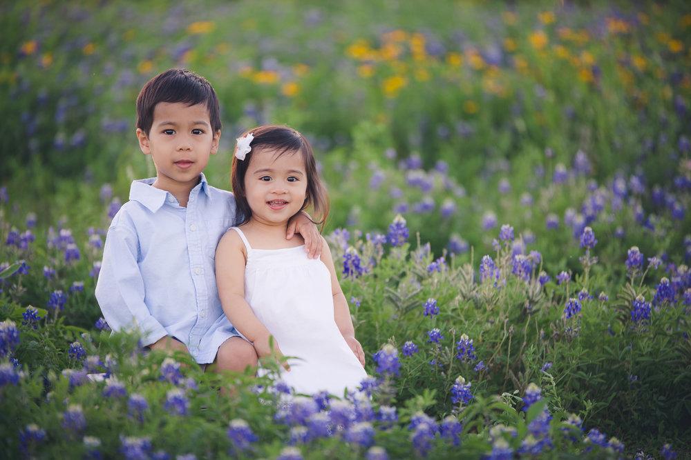houston-tx-childrens-photographer-sugar-land-bluebonnet-family-photoshoot.jpg