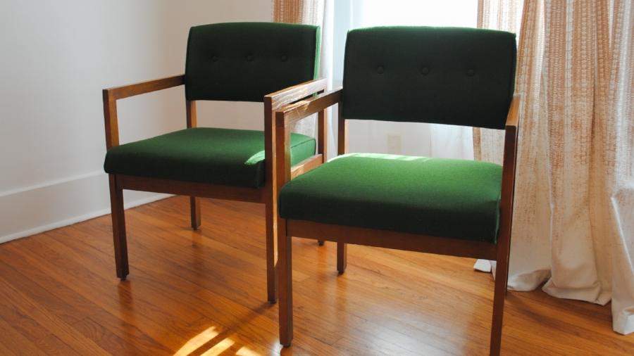 Awesome Secondhand Furniture Find: Green Mid Century Modern Chairs At Gideonu0027s  Gallery U2014 Salt U0026 Rook