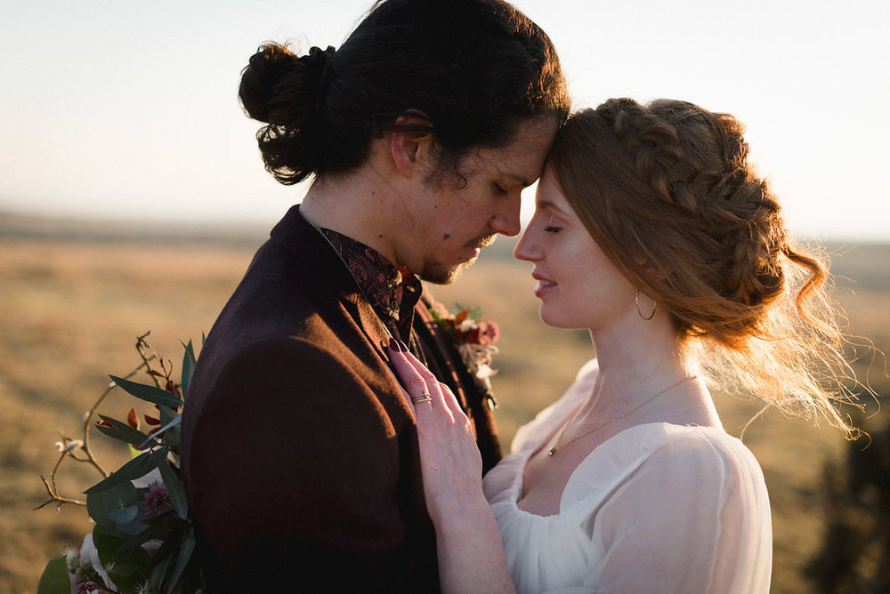Poldark Inspired Elopement for Rock My Wedding