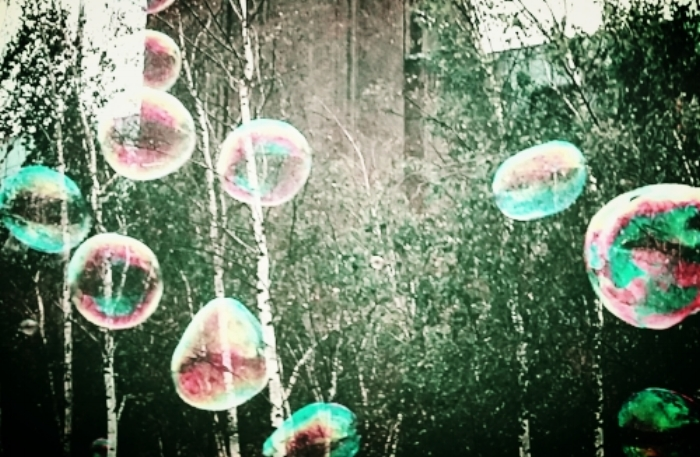Forever blowing bubbles. Inspiration is everywhere; on this particular occasion, on the banks of the river Thames, outside Tate Modern.