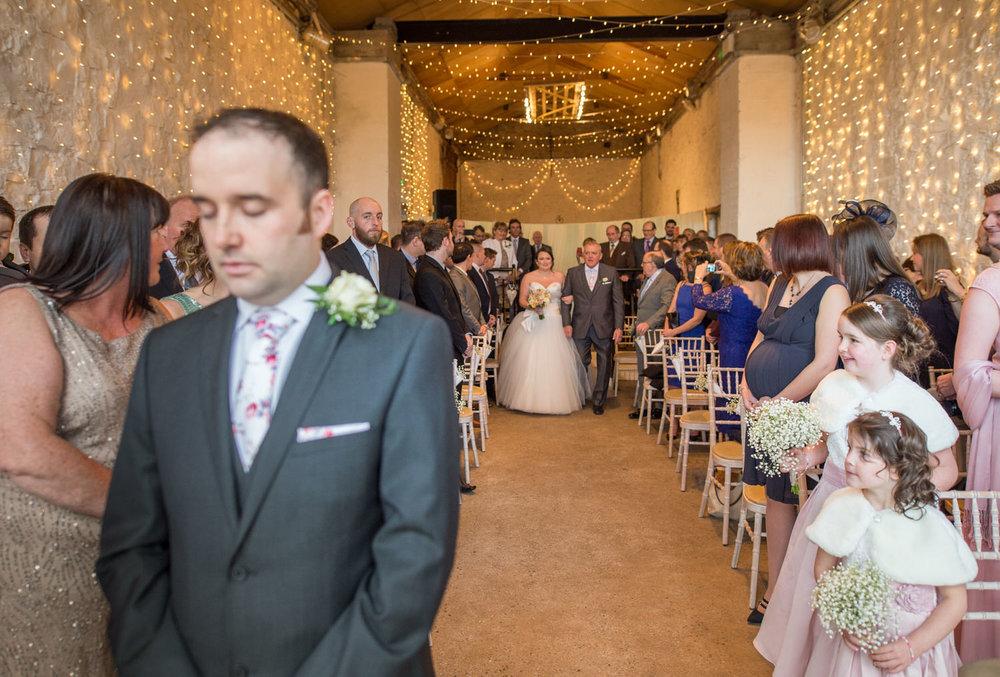 Cardiff wedding photographer rosedew farm barn wedding0011.jpg