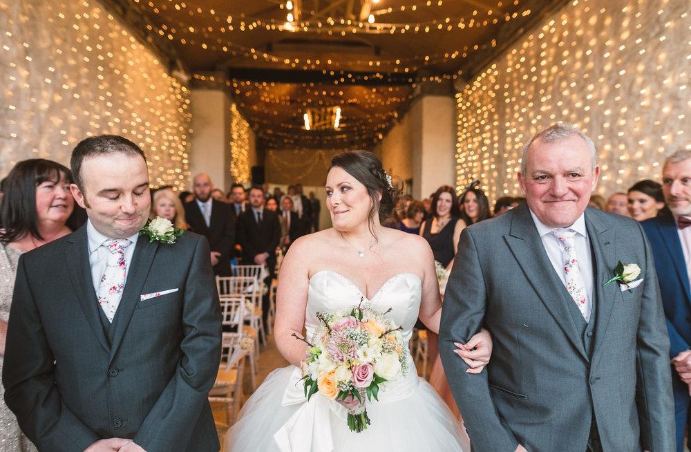 Cardiff wedding photographer rosedew farm barn wedding0012.jpg