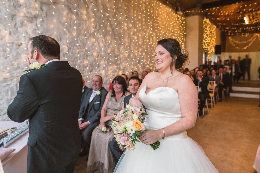 Cardiff wedding photographer rosedew farm barn wedding0013.jpg