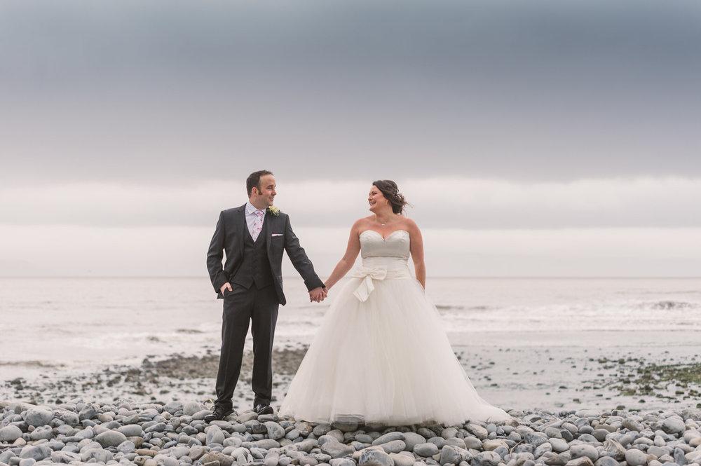 Cardiff wedding photographer rosedew farm barn wedding0020.jpg