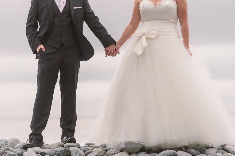 Cardiff wedding photographer rosedew farm barn wedding0021.jpg